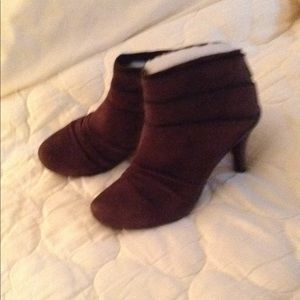 Kenneth Cole Reaction Brown Suede Booties